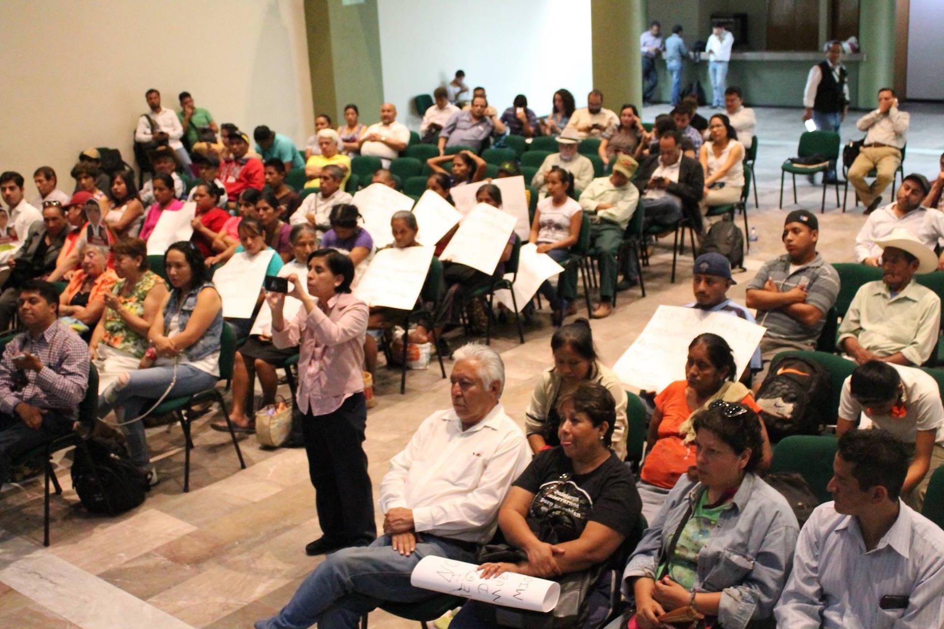 Asistentes al Debate sobre Medio Ambiente en Puebla