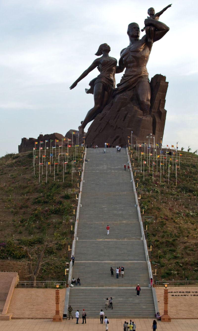 Monumento do Renascimento Africano