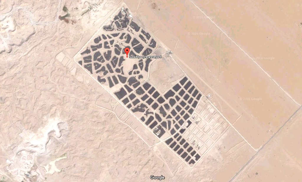 O cemitério de pneus em Sulaibiya no Kuwait